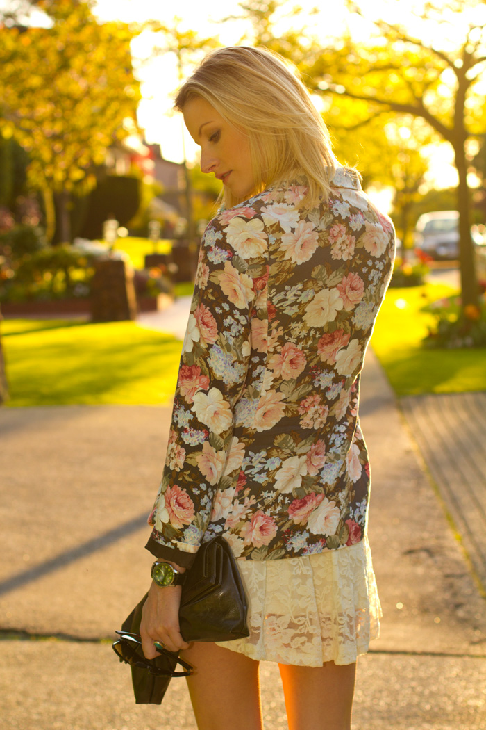 Fashion Blogger, Alison Hutchinson, wearing Aritzia floral blazer, aritzia lace skater dress, Zara Black platform heels
