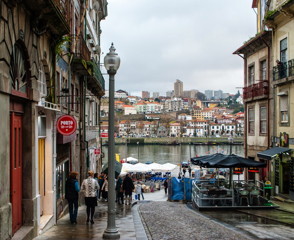 Street to the porto ribeira square