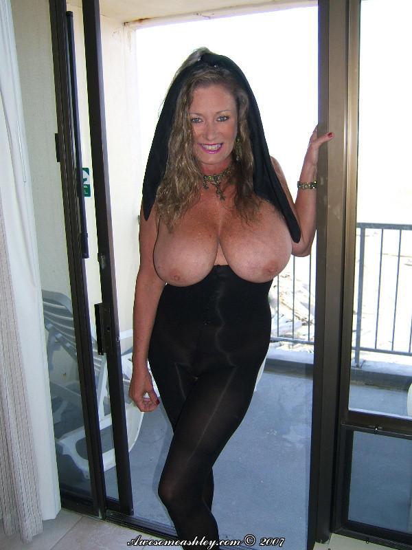 roxanne pallett bikini pictures