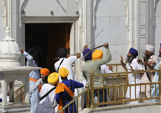 SHOCK VIDEO: Sword Fight Breaks Out A Sikh Temple
