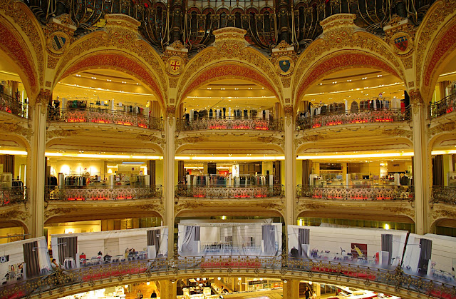 Galeries Lafayette Paris photo
