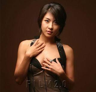 http://mlorots.blogspot.com/2013/11/foto-hot-dan-sexy-ha-ji-won.html