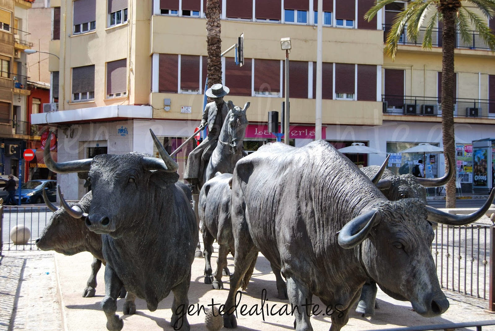 toros-alicante-hogueras