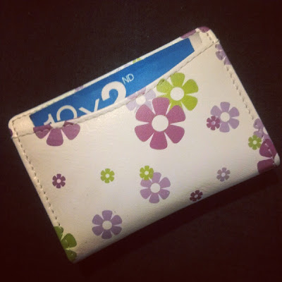 Daisy Chain Oyster Card holder curved pocket on reverse