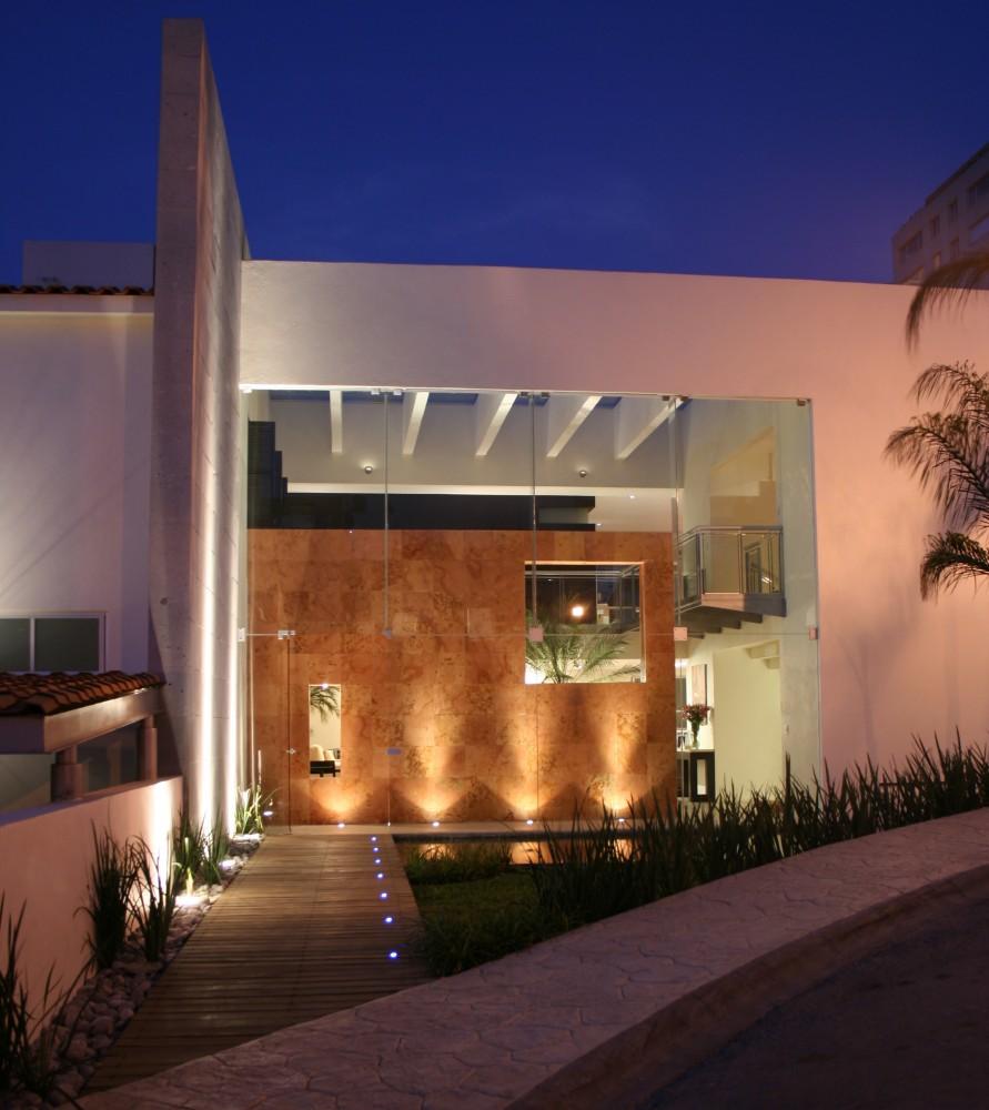 Djhonatan box 39 s casas contempor neas sem telhado aparente for Fachadas modernas para oficinas