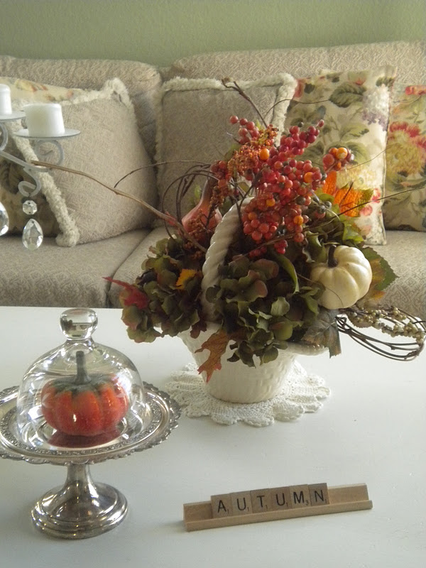 Cottage blessings decorating for fall with yard sale finds