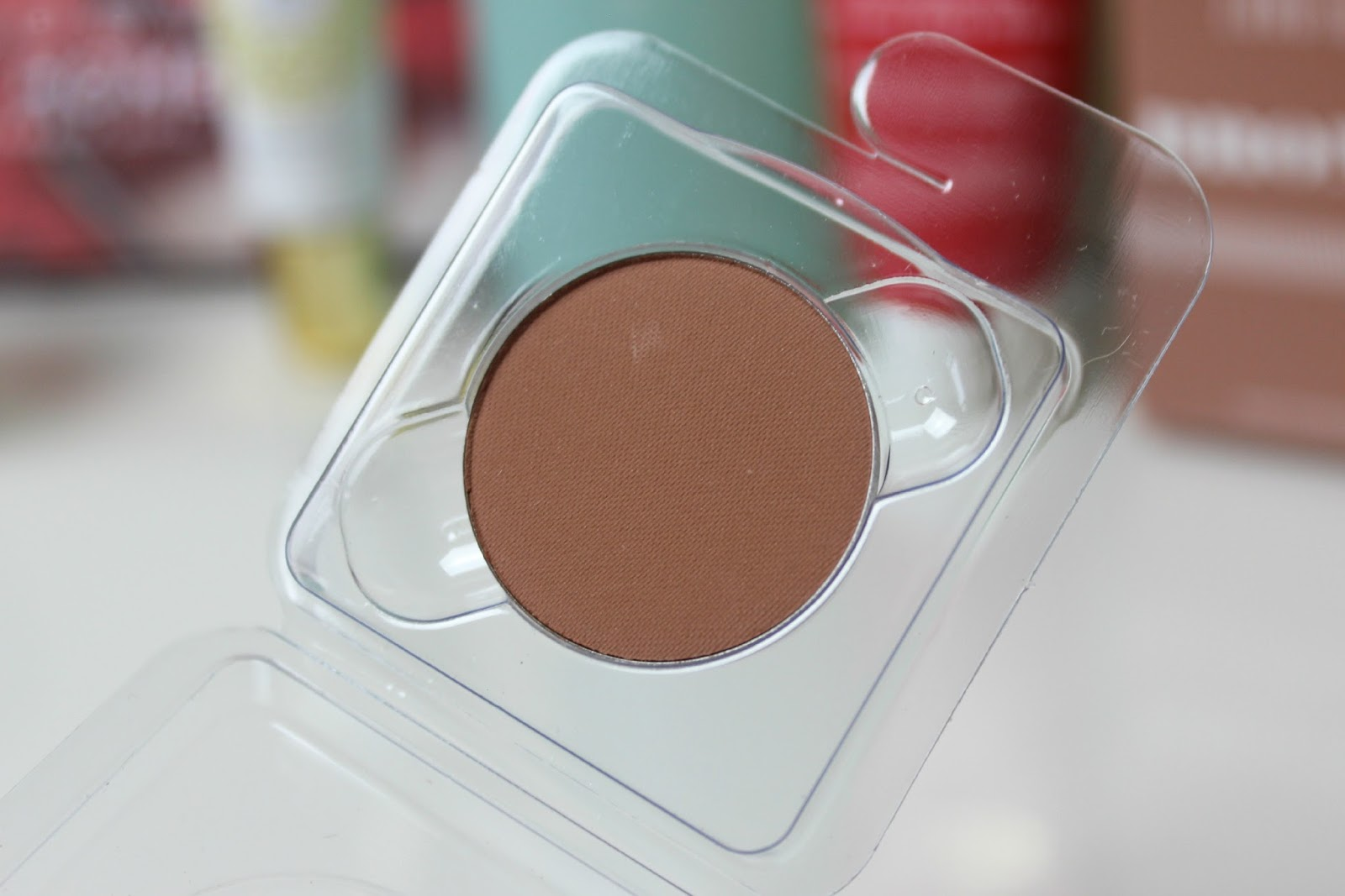 A picture of the Lord & Berry Bronzer in Sunny