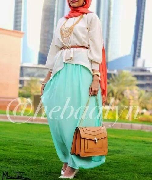 Hijab fashion inspiration mode 2015 hijab-bleu-robe-hija