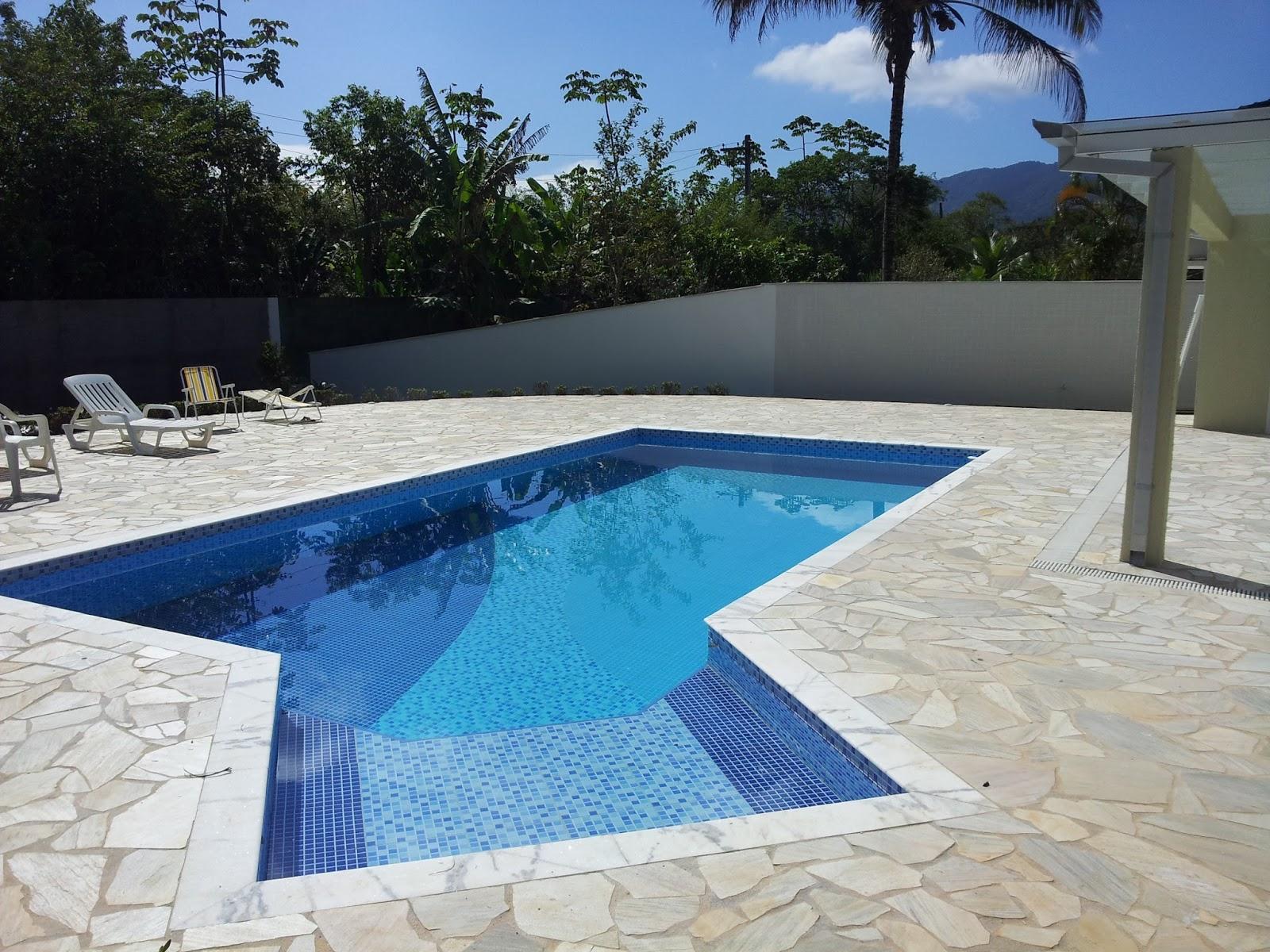 Impacto arquitetura e design modelos de piscinas impacto for Modelos de piscinas infinitas