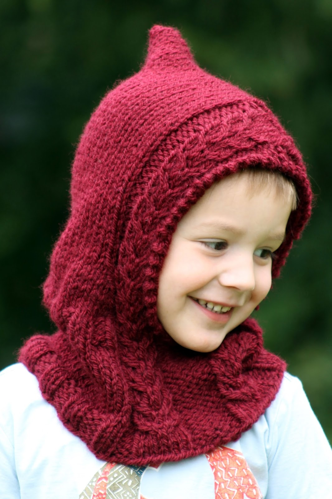 Balls to the Walls Knits: Little Red Hooded Cowl