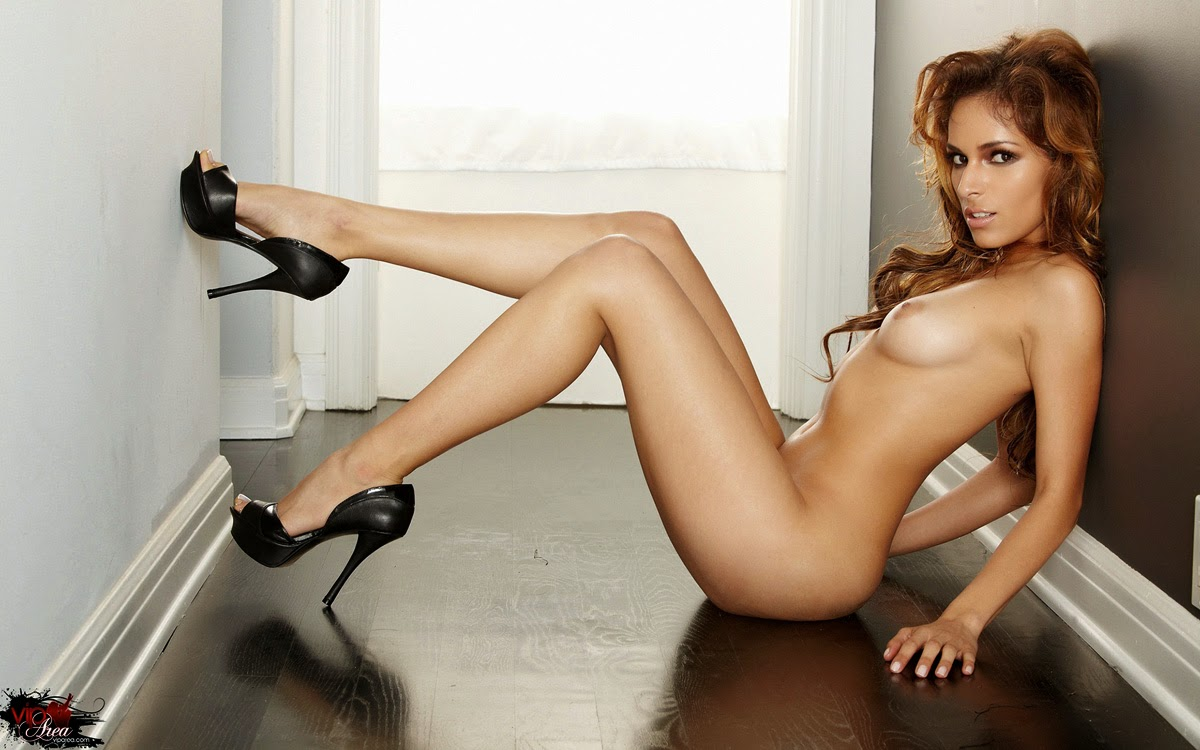 hot nude latinas in heels