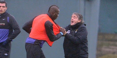 Balotelli Cekcok dengan Mancini dan Nyaris Berkelahi