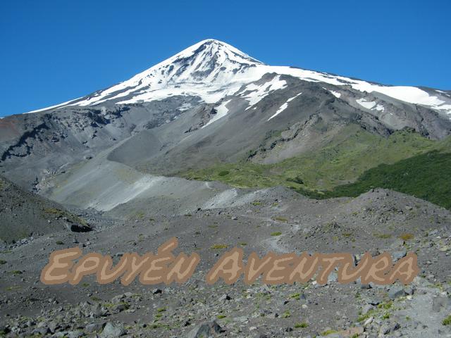 Volcán Lanin desde ruta de ascenso - Patagonia Andina