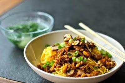 Resep membuat mie ayam jamur spesial enak