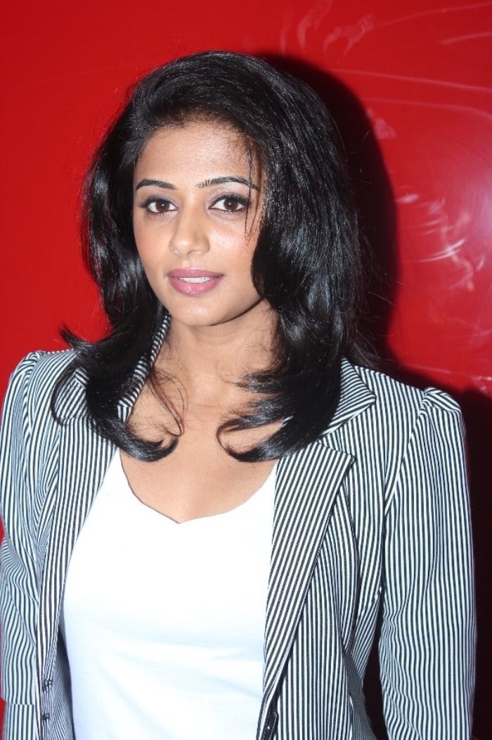 bollywood, tollywood, hot, ACTRESS, PRIYAMANI, LATEST, PICS