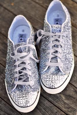 Zapatos con purpurina en Recicla Inventa