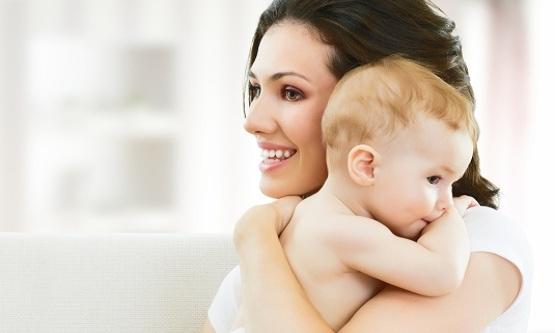 العناية بالطفل,هز الطفل,تحريك الطفل,هز الرضيع,مخاطر الهز,مخاطر هز الطفل,اضرار هز الطفل,طفولة,طفل,اطفال,ابناء,رضيع,طفل رضيع
