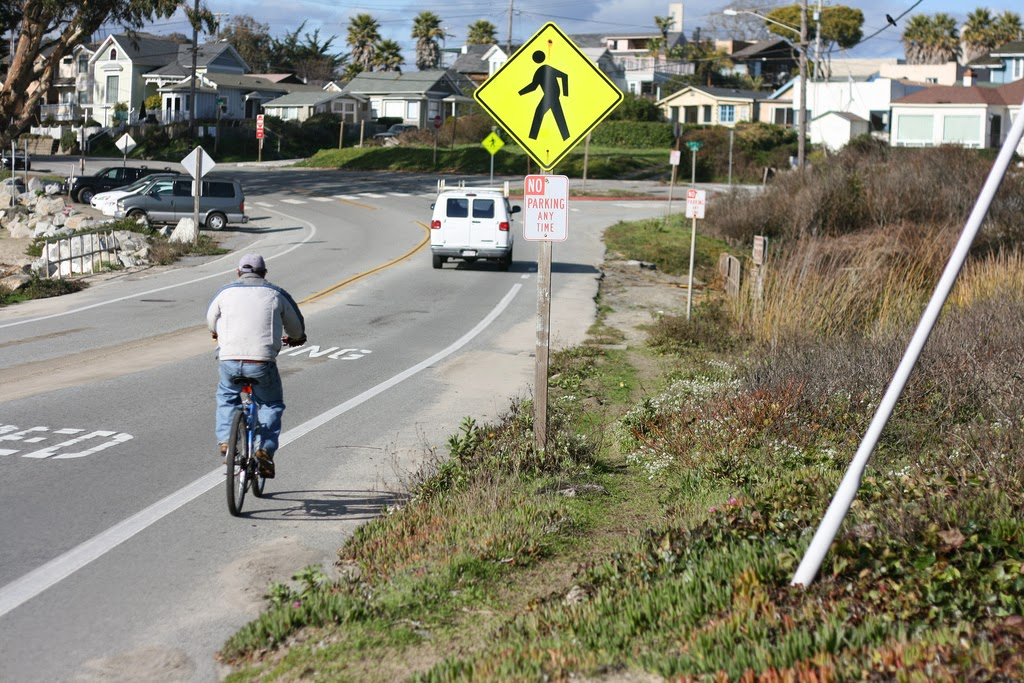 "A.B. 2398 would raise fines for drivers who injure ""vulnerable road users"" in California - primarily, bicyclists and pedestrians. (Credit: Richard Masoner/Flickr) Click to enlarge."