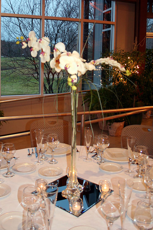 Eiffel tower vase centerpieces