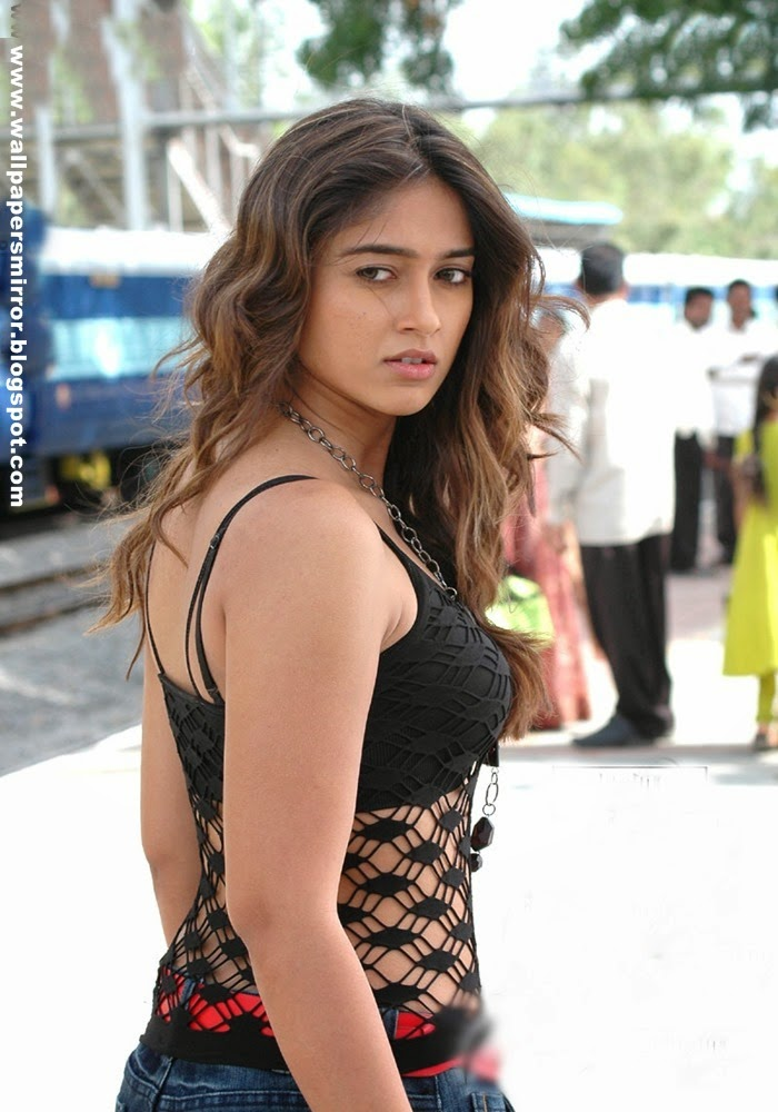 Top 10 Ileana sexy photoshoot