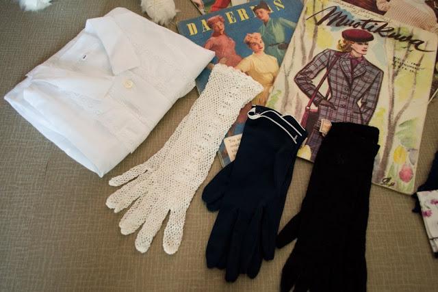 Vintage gloves'