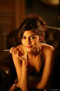 audrey tautou smoking