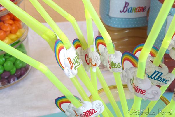 Sweet table arc-en-ciel drapeaux de pailles / rainbow straw flags