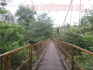 Jembatan Kuning Yeh Unda Sidemen