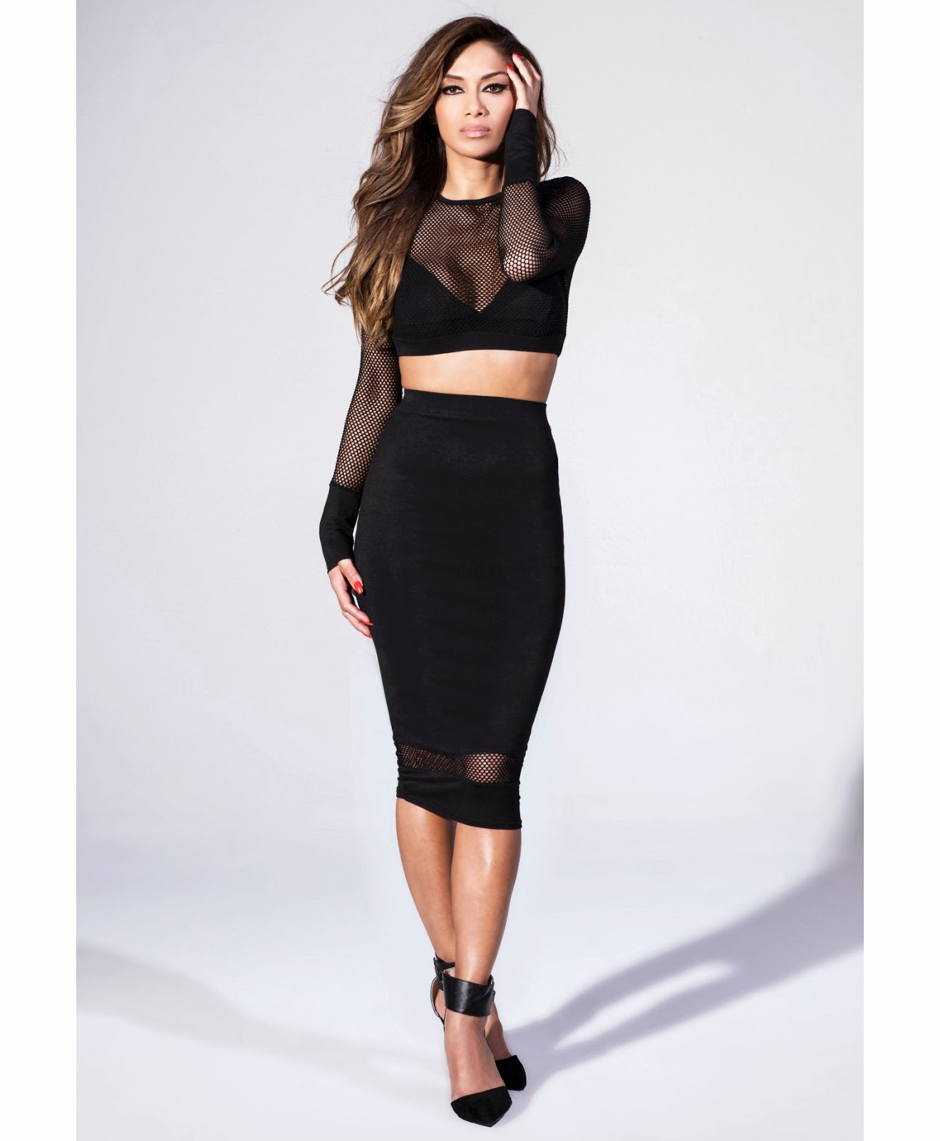 GlamorousGia lovin it the NicolexMissguided Long sleeve fishnet crop top in black and Black midi skirt with fishnet hem detail.