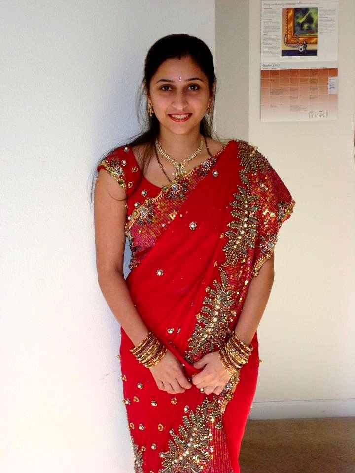 Desi Babes In Beautiful Traditional Sarees