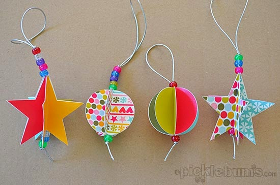 http://picklebums.com/2013/12/12/star-and-circle-paper-decorations/