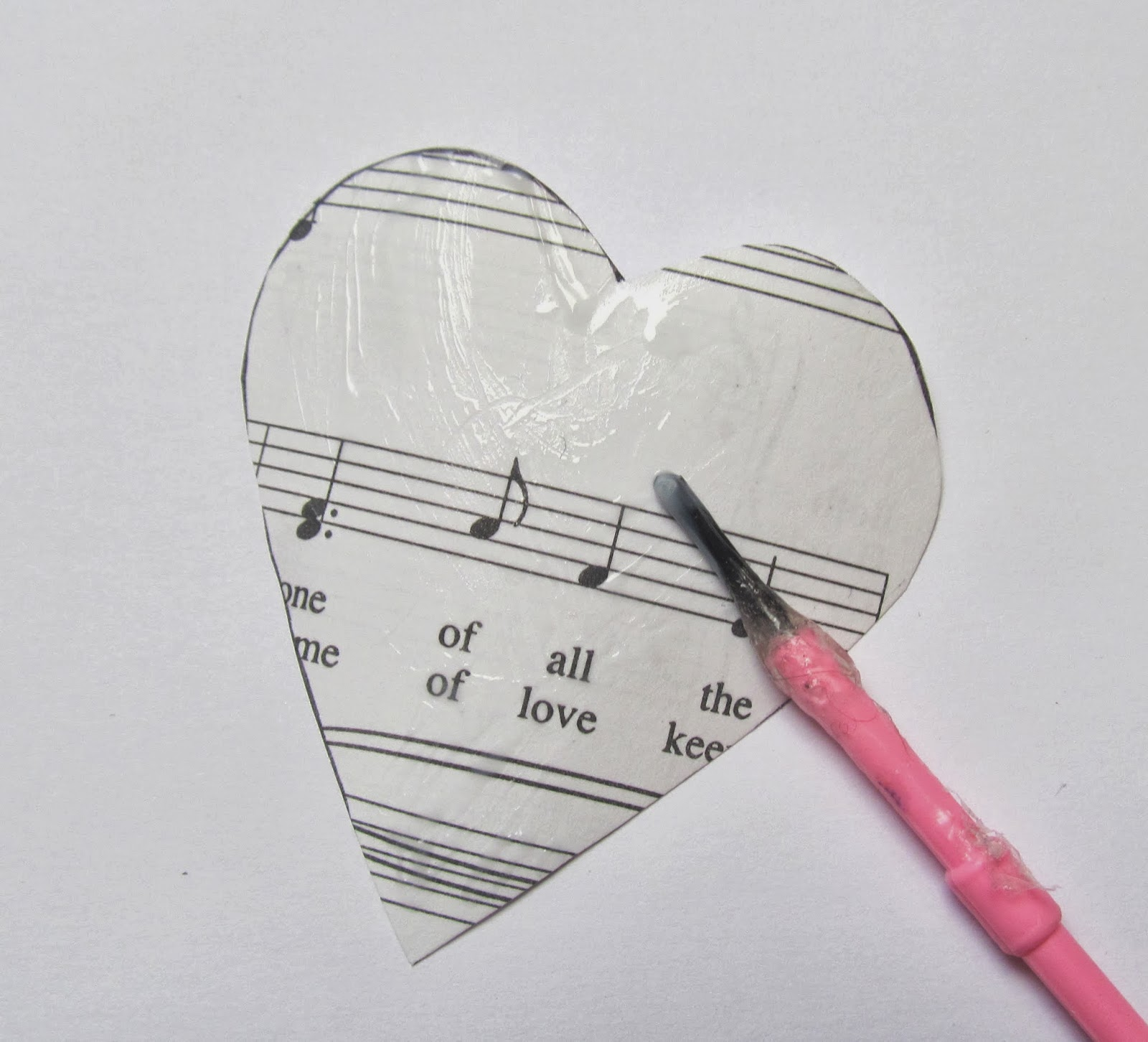Heart cupcake topper tutorial by Pink Flamingo Handcrafting