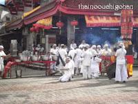 タイ VegetarianFestival2013 ジュイトュイ寺院