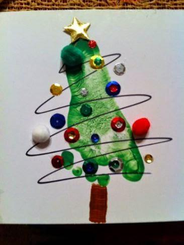 Árvore de Natal com pintura de mãos
