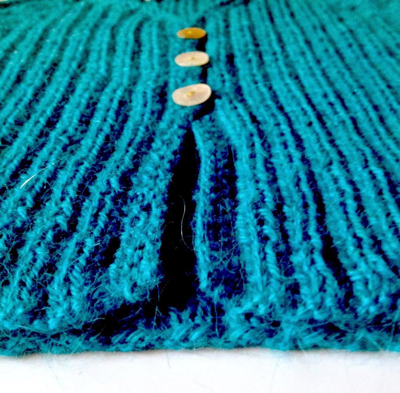 Gilet en alpaga DROPS turquoise, chaussettes rayées