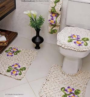 Tapetes de crochê para banheiro