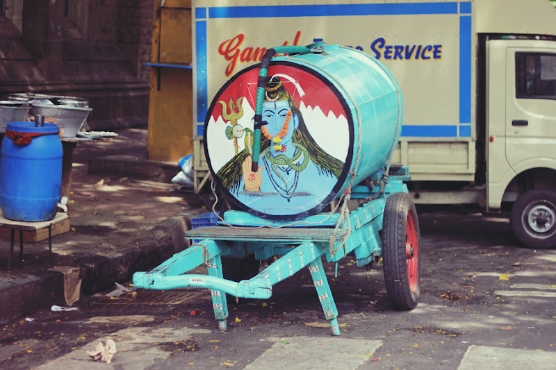 Shiva Painted Water Tank, South Bombay
