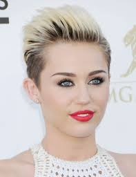 Miley Cyrus – Wrecking Ball (Video Oficial) | Video y Letra (letras de canciones )