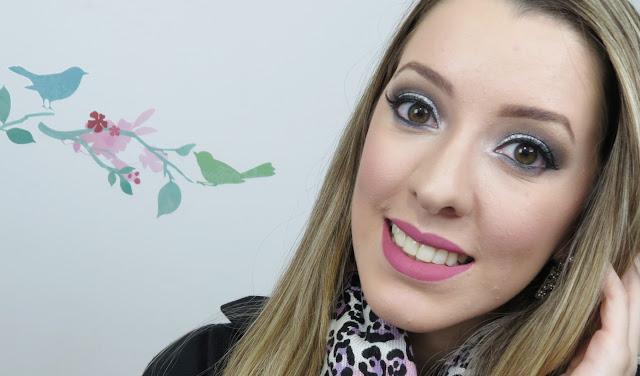 Maquiagem com glitter prata da dailus