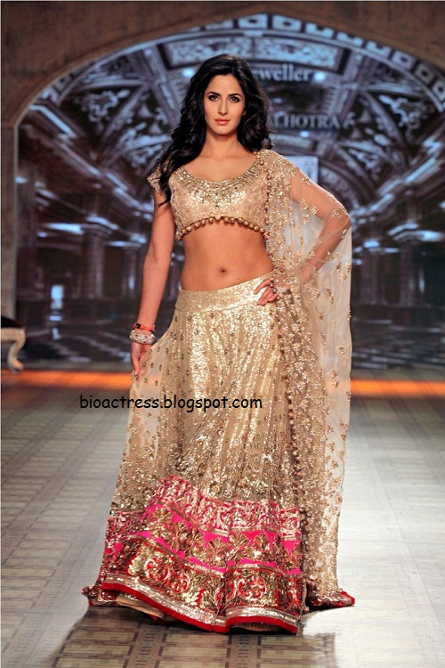 bollywood actress Katrina Kaif hot and sexy fashion show very bridal collection