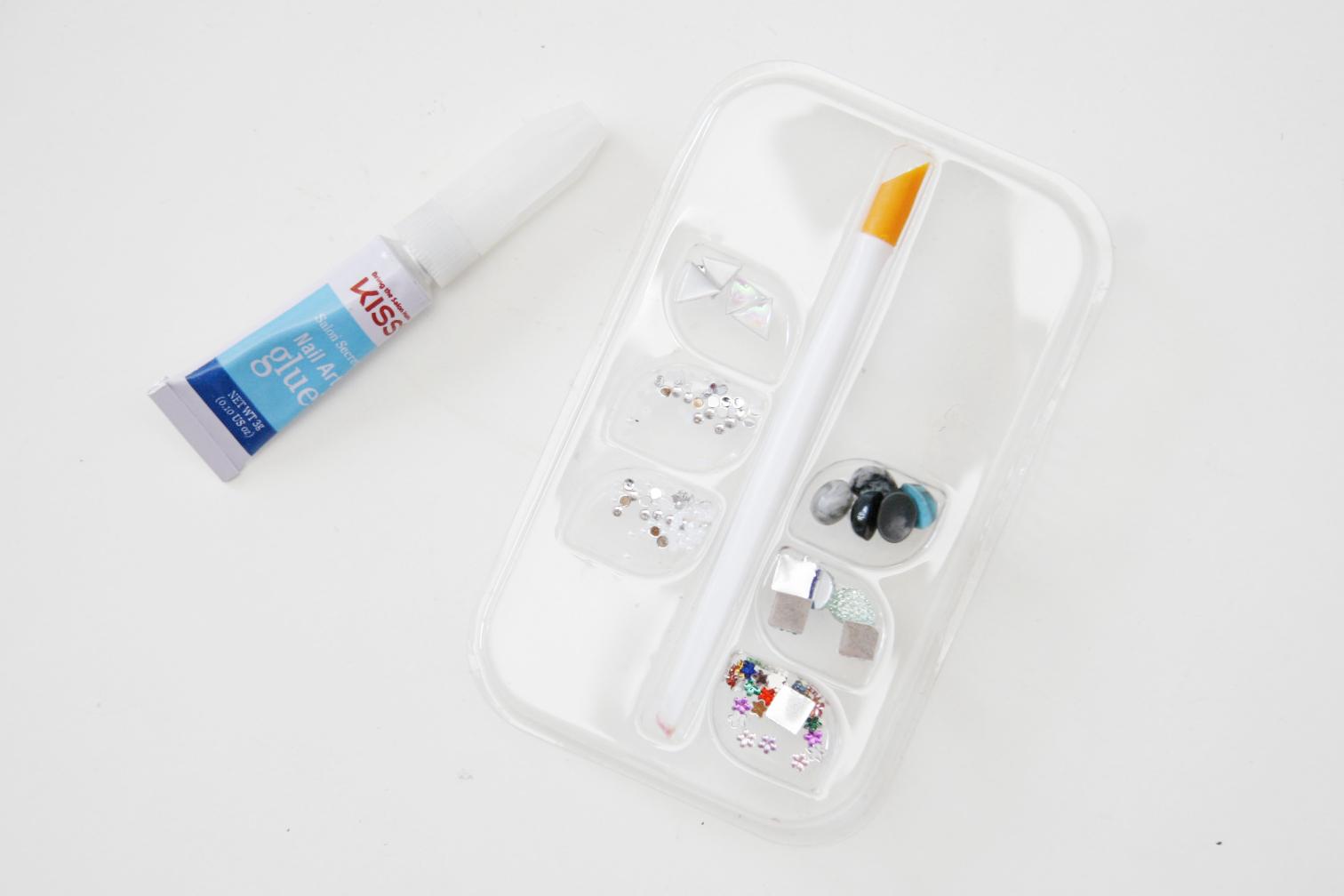 fun size beauty: KISS Salon Secrets Luxe Accents & Nail Art Glue