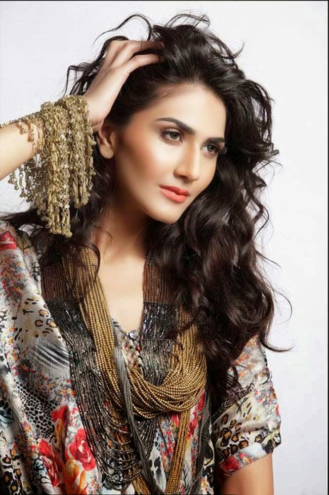 Vaani Kapoor New Hot HD Wallpaper free download