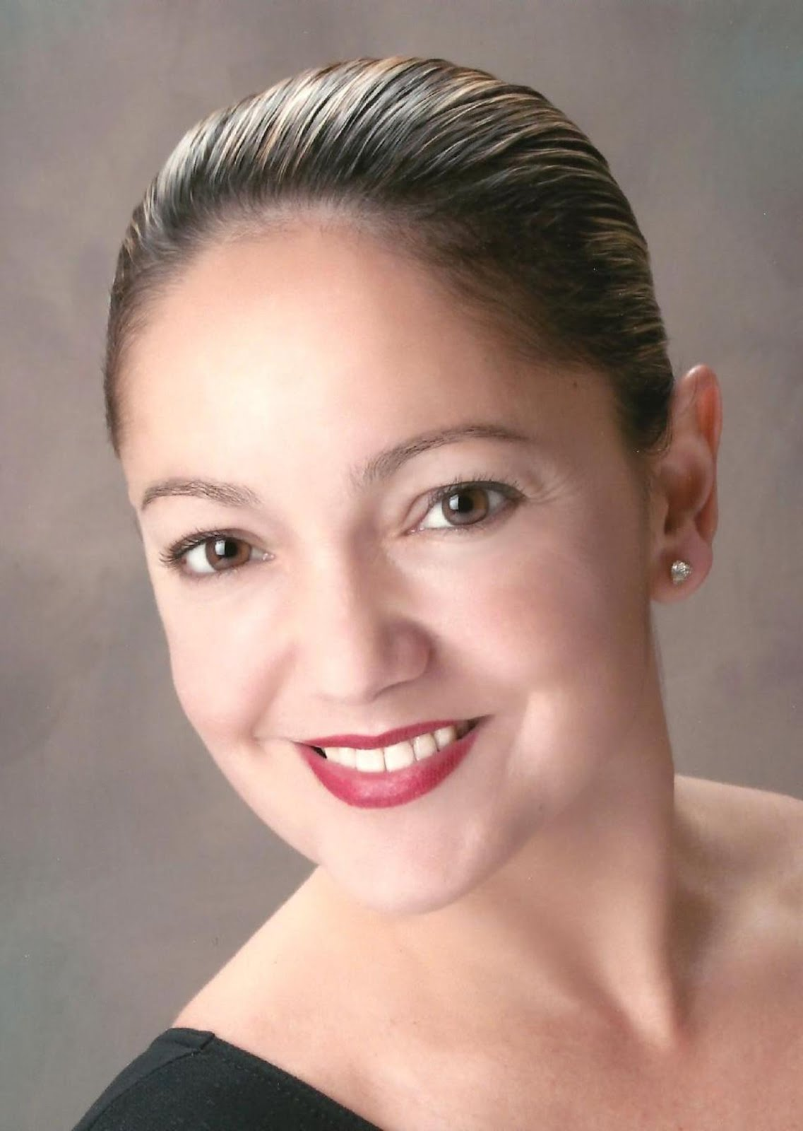 <b>Patricia Beal<b><br><i>USA<i></i></i></b></b>