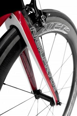 Bicicleta Bayamo BMW DesignworksUSA NeilPryde