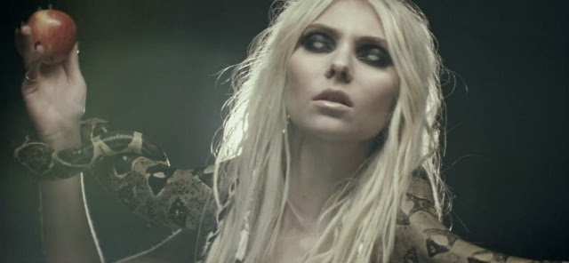Taylor Momsen hace el papel de una malvada Eva
