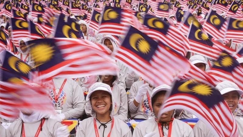 Kemerdekaan Malaysia yang sebenarnya dan pemandangan poskad