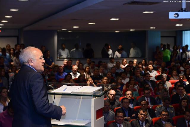 Ao empossar Pedro Elias como novo titular da Susam, José Melo diz que ajustes não afetarão serviços de saúde