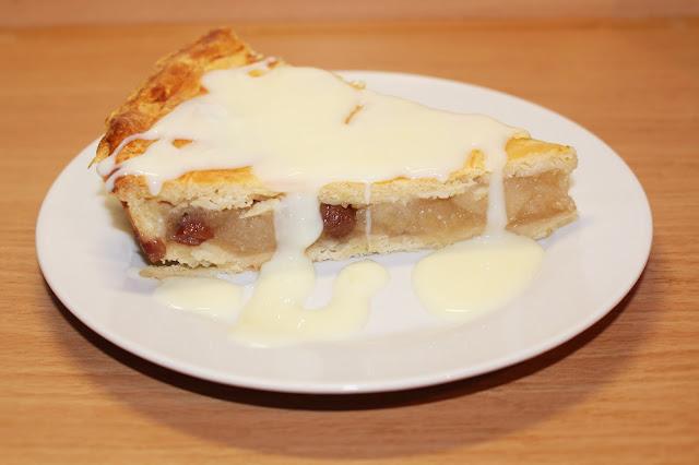 Křehký jablečný koláč s pudinkovým přelivem do formy o průměru 29 cm