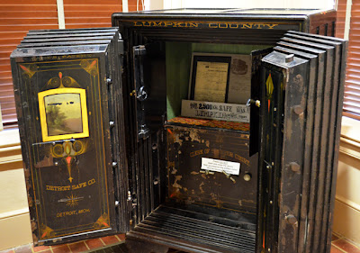 Lumpkin County safe used 1886 to 1965