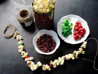 DIY popcorn & cranberry garland kit